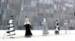 Cinzia Fossati | costumes | Haute couture on stilts | die Stelzer | Stiltwalkers