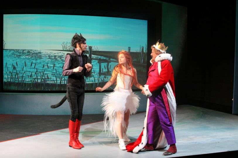Cinzia Fossati   costumes   der gestiefelte Kater   director Peter Raffalt   Wuppertaler Bühnen