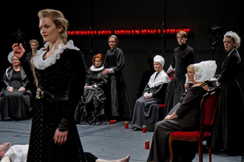 Cinzia Fossati   costumes   King's Wives   Armin Petras   Abschied von Gestern   Staatstheater Stuttgart   Schauspiel Stuttgart Nord